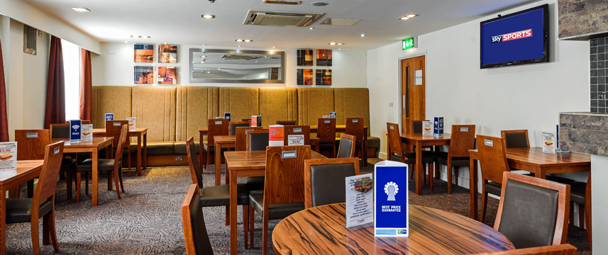 Holiday Inn Express Gatwick - Crawley - Breakfast Room