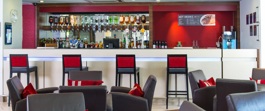 Holiday Inn Express Glasgow Airport - Bar
