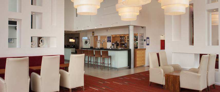 Holiday Inn Express Leeds City Centre Armouries Lounge