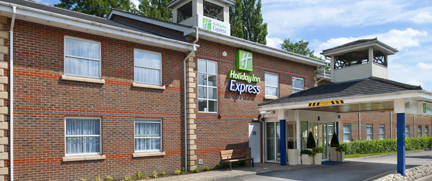 Holiday Inn Express Leeds East - Outside