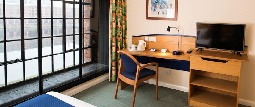 Holiday Inn Express Liverpool Albert Dock Desk