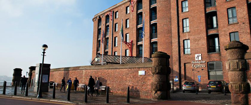 Holiday Inn Express Liverpool Albert Dock Exterior