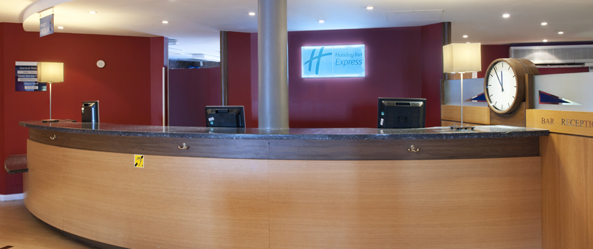 Holiday Inn Express Liverpool Albert Dock Reception