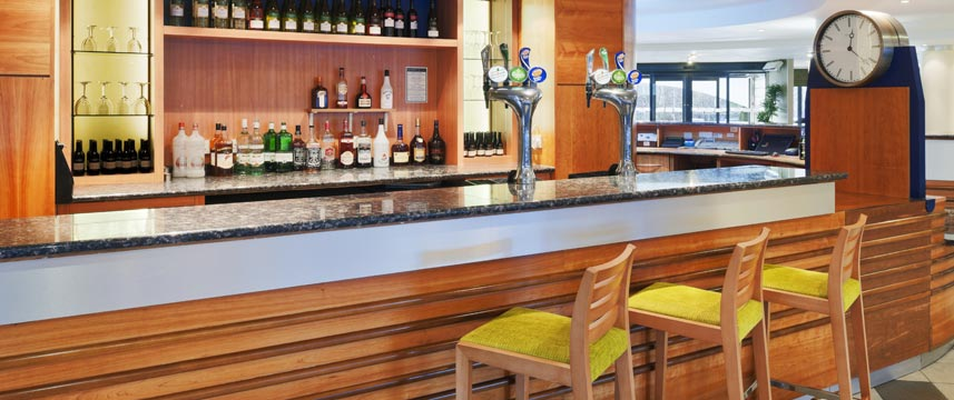Holiday Inn Express Liverpool Knowsley Bar