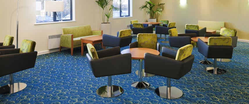Holiday Inn Express Liverpool Knowsley Lobby Seating
