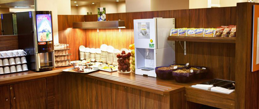 Holiday Inn Express London Croydon - Breakfast
