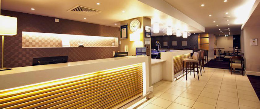 Holiday Inn Express London Croydon - Reception