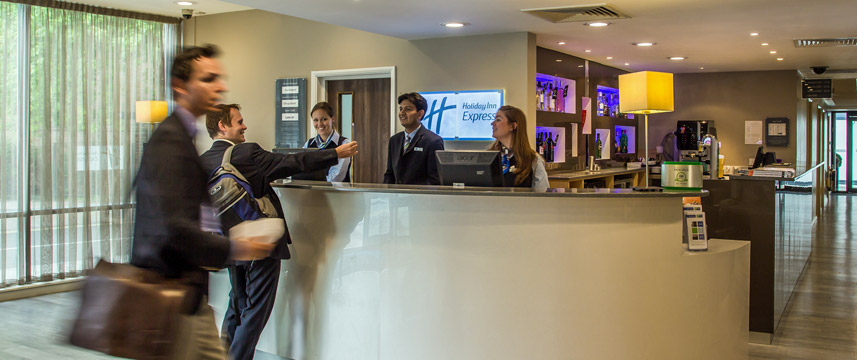 Holiday Inn Express London Earls Court - Reception
