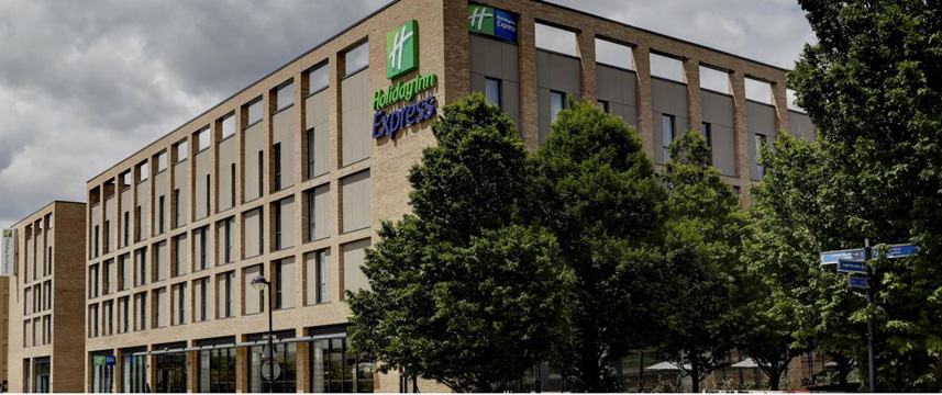 Holiday Inn Express London Excel - Exterior