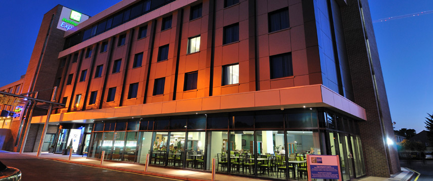 Holiday Inn Express London Heathrow T5 Exterior