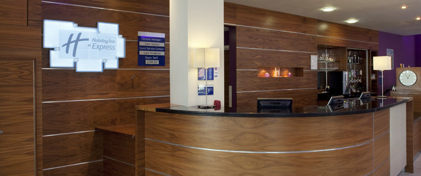 Holiday Inn Express London Newbury Park - Reception