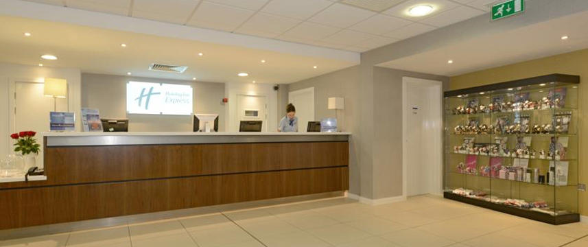 Holiday Inn Express London Wimbledon South - Reception