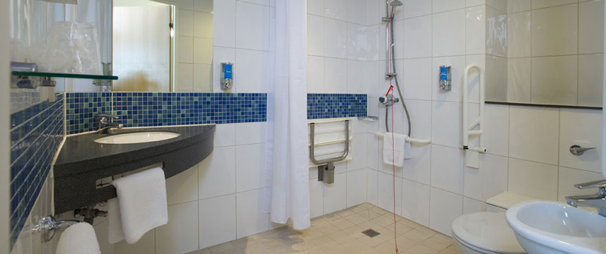 Holiday Inn Express Luton Airport - Ensuite