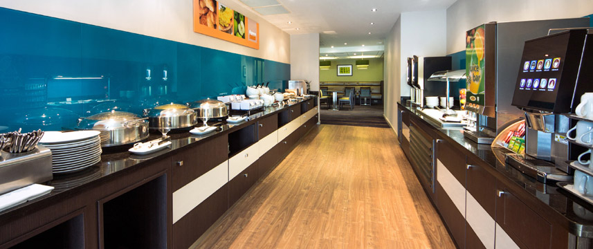 Holiday Inn Express Manchester Airport - Breakfast