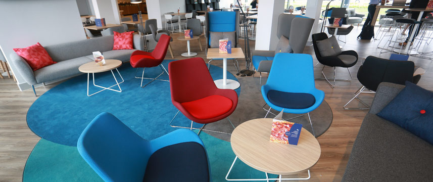 Holiday Inn Express Manchester Trafford City - Lobby Cafe
