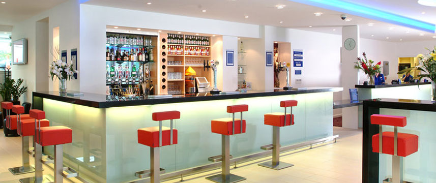 Holiday Inn Express Newcastle City Centre - Bar