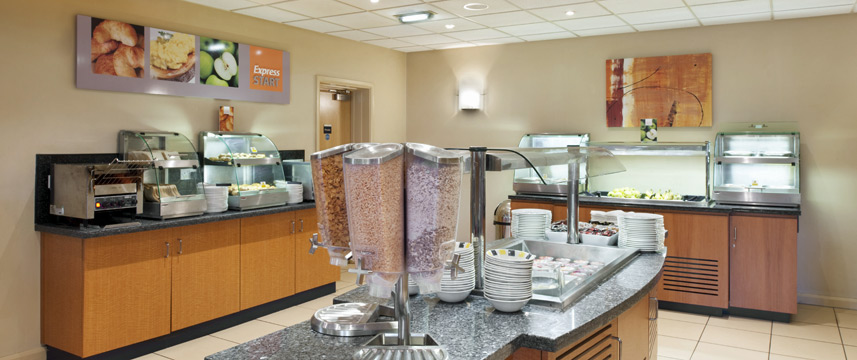 Holiday Inn Express Newcastle Metro Centre - Breakfast