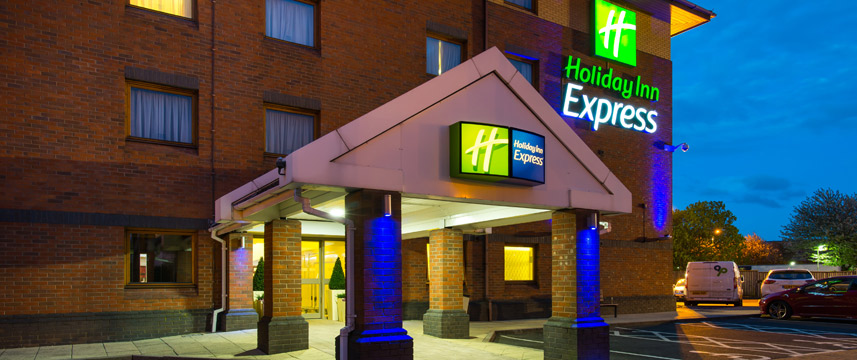 Holiday Inn Express Oldbury M5 Jct 2 Exterior