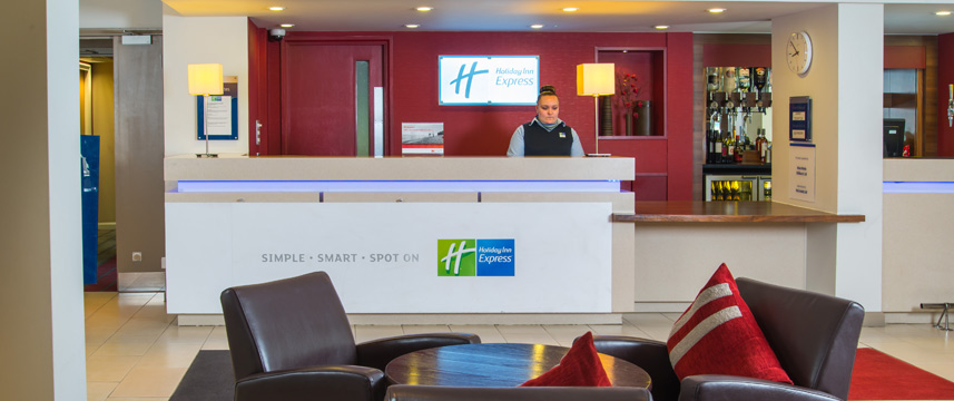 Holiday Inn Express Oldbury M5 Jct 2 Reception