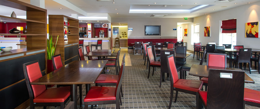 Holiday Inn Express Oldbury M5 Jct 2 Restaurant