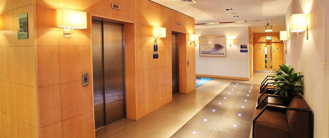Holiday Inn Express Redditch - Lifts
