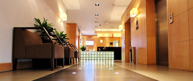Holiday Inn Express Redditch - Lobby