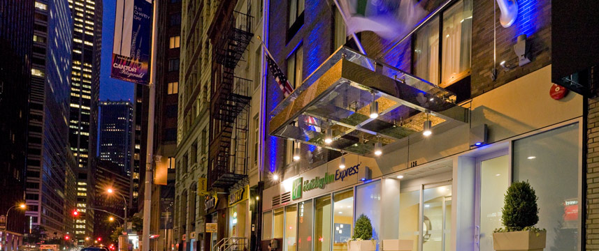 Holiday Inn Express Wall Street - Exterior Night