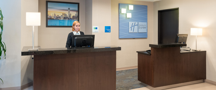 Holiday Inn Express Wall Street - Reception Desk