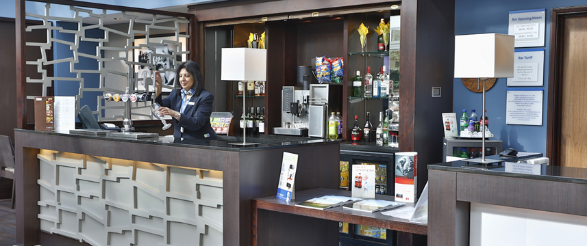 Holiday Inn Express Windsor - Bar