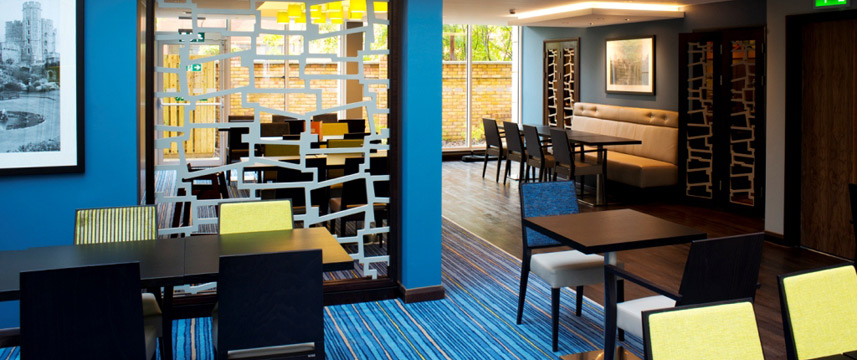 Holiday Inn Express Windsor - Tables
