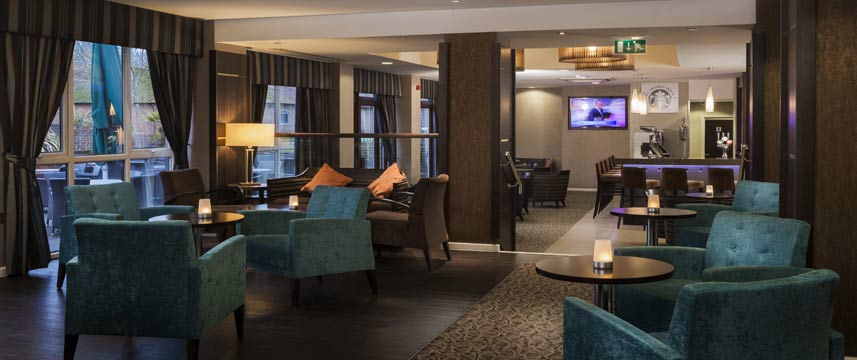 Holiday Inn Gatwick Worth - Bar And Lounge