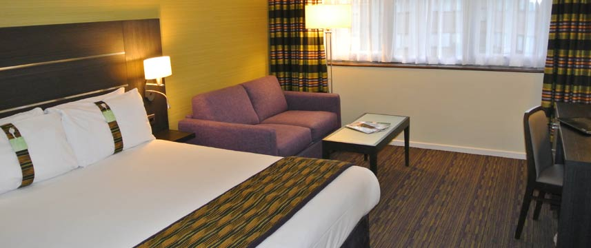 Holiday Inn Gatwick Worth - Family Room With Sofa Bed