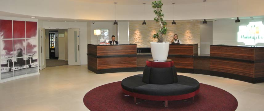 Holiday Inn Gatwick Worth - Lobby
