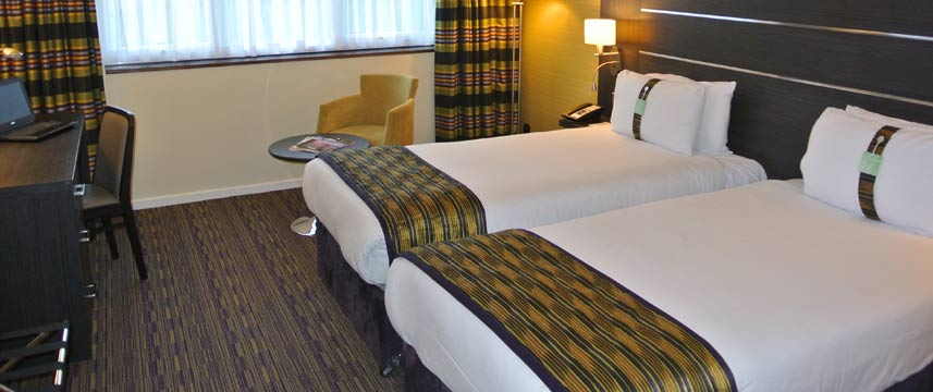 Holiday Inn Gatwick Worth - Twin Room