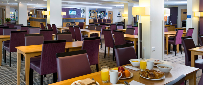 Holiday Inn Hammersmith Breakfast table