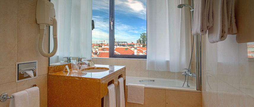 Holiday Inn Lisbon - Bathroom