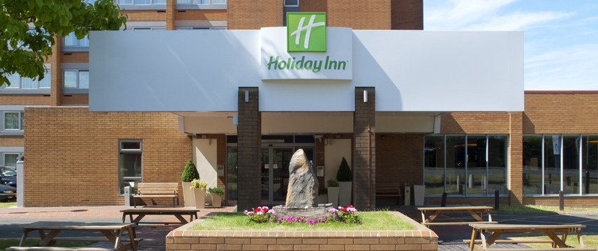 Holiday Inn London - Gatwick Airport - Exterior