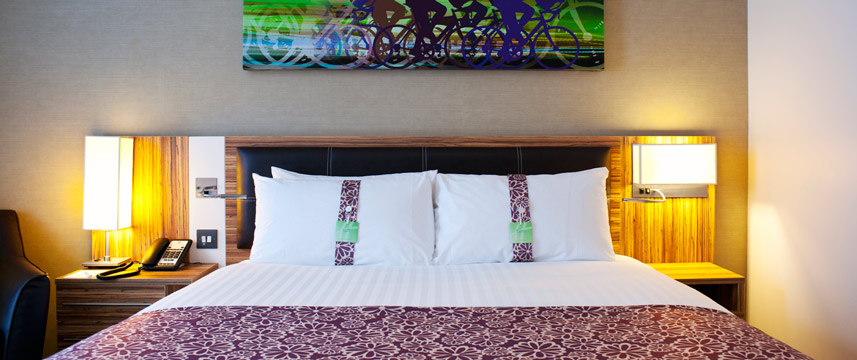 Holiday Inn London Stratford City - Queen Bedroom