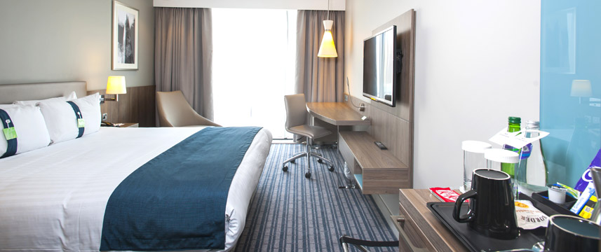 Holiday Inn London West - Executive Bedroom