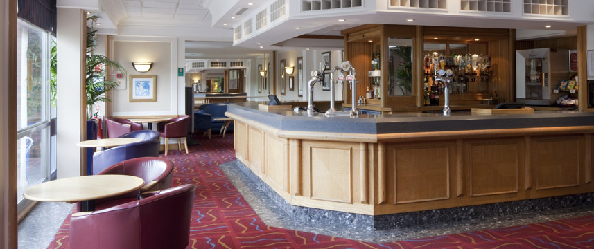 Holiday Inn Luton South - Bar