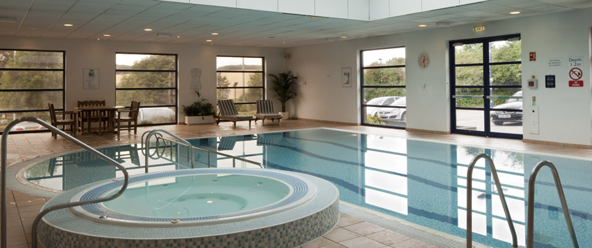 Holiday Inn Luton South - Pool