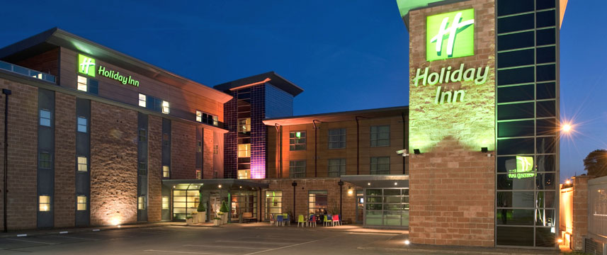Holiday Inn Manchester - Central Park - Exterior Night