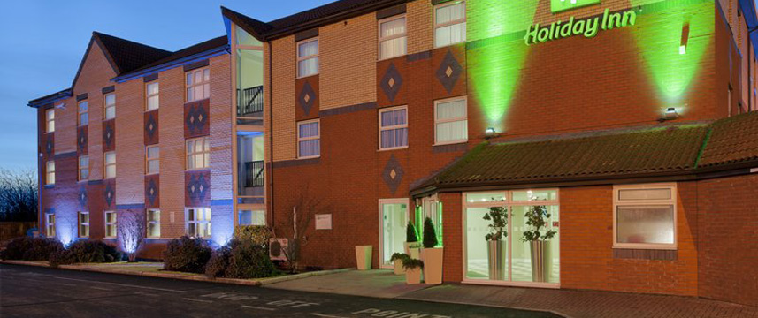 Holiday Inn Manchester West - Exterior Night
