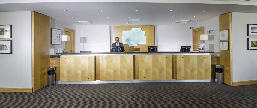 Holiday Inn Oxford - Reception Desk