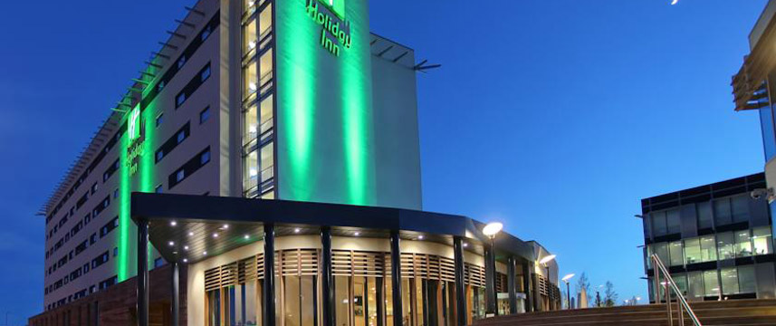 Holiday Inn Reading M4 Jct10 - Exterior Night