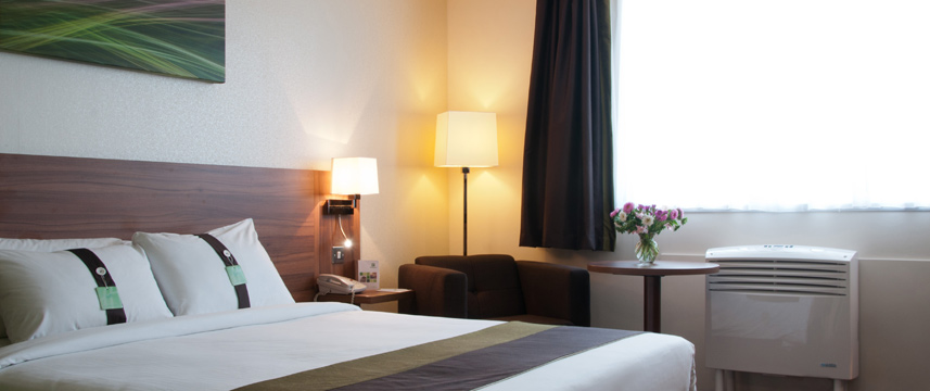 Holiday Inn Slough Windsor - Queen Room