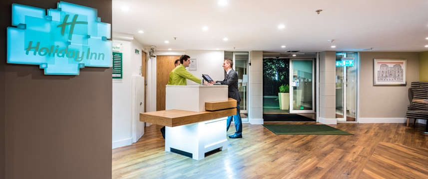 Holiday Inn Slough Windsor - Reception Desk