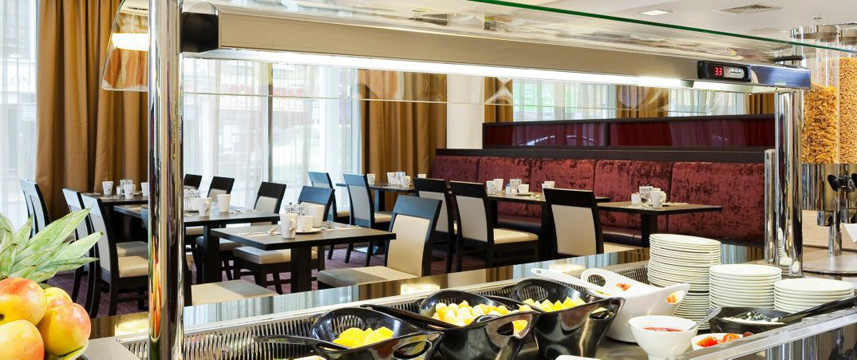 Holiday Inn Whitechapel - Breakfast