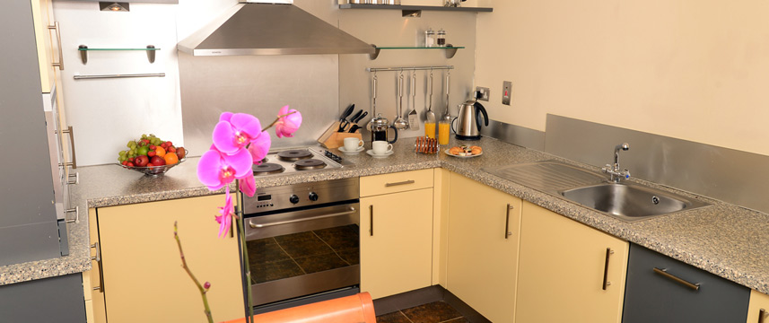 Holyrood ApartHotel - Kitchen Facilities