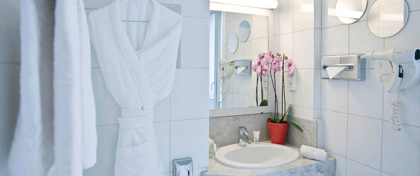 Hotel Augustin - Astotel - Bathroom